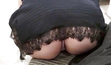 Brünettes Küken bekommt ihre Muschi geschlagen kostenlose deutsche sexclips