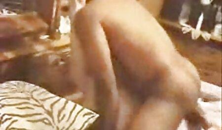 Deb sex gratis clips masturbiert in goldenen Sandalen