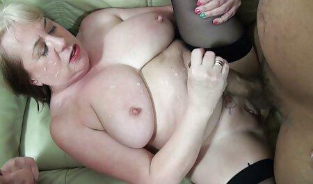 Nette kurze porno clips tätowierte Brünette