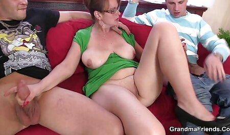 Squirty & Drippy Cock sexclips kostenfrei reibt sich an der rasierten Muschi