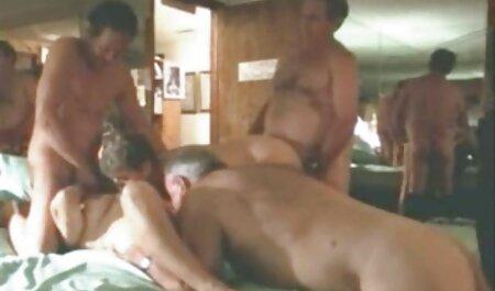 heiße Brünette und Sahne gratis erotic clips